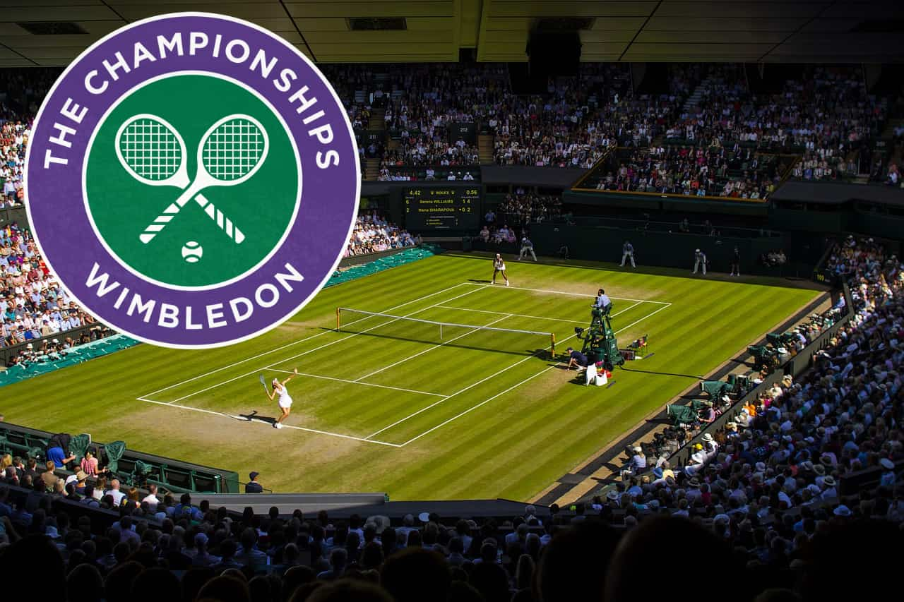 Watch tennis live - tennis court on Wimbledon London